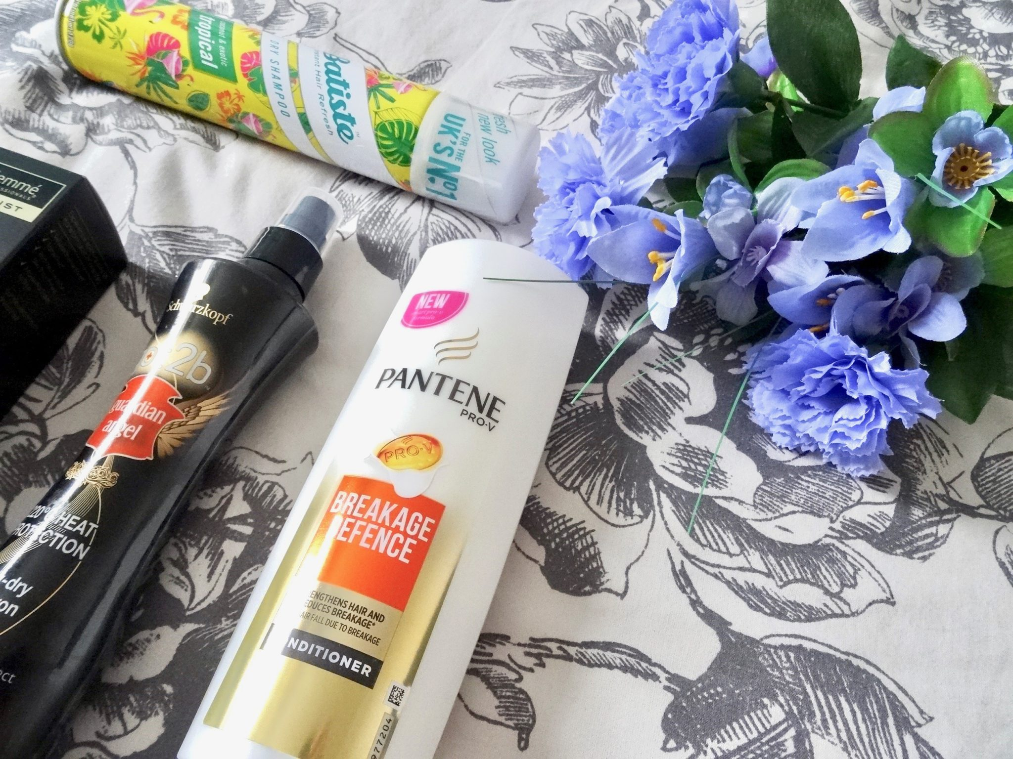 Pantene Breakage Defence Conditioner - Batiste Tropical Dry Shampoo - Schwarzkopf got2b Guardian Angel